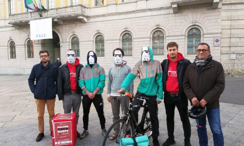 I rider di Bergamo insieme alla CGIL in consiglio comunale